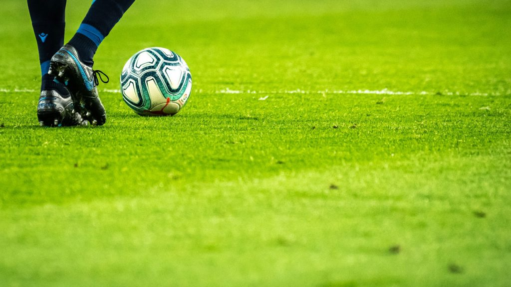 Are Women's Soccer Balls The Same Size As Men's?