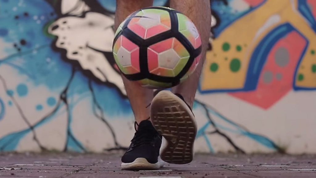 Juggling Soccer Ball Learn How To and Tips & Tricks