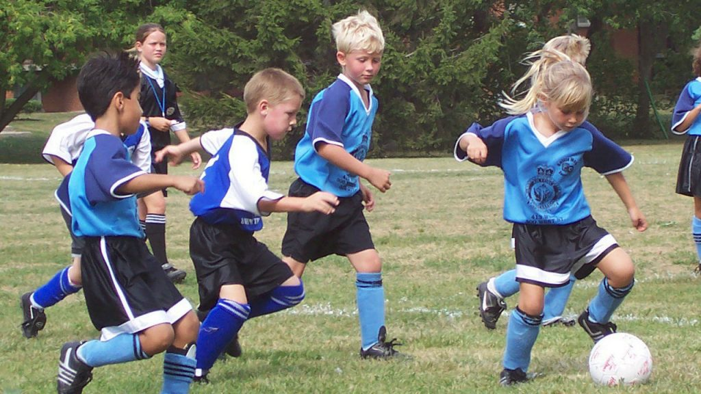 What is Recreational Soccer? And Why Should You And Your Kids Play it?