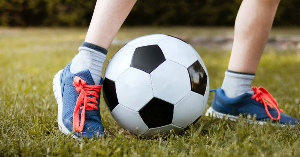 Hero Egg Traditional Soccer Ball Review 2021