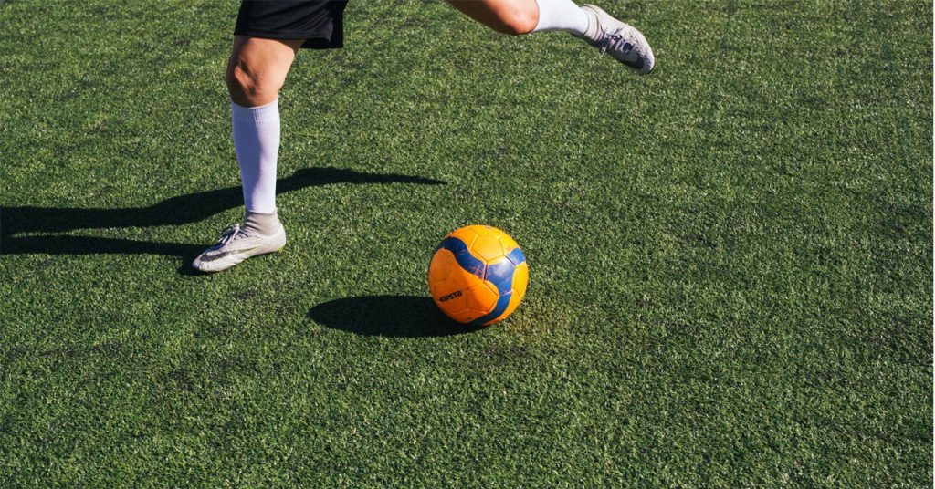 How to Knuckle a Soccer Ball